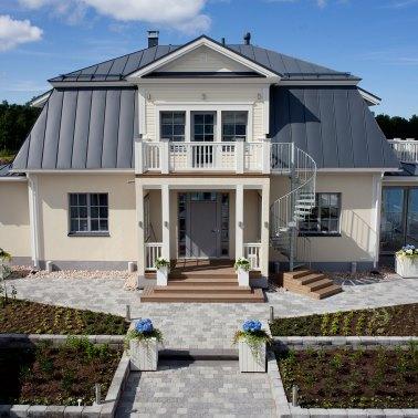 378x378-GreenCoat-house